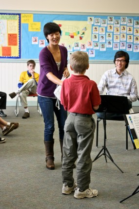 Karen Kim of the Parker Quartet with a Greenwood student